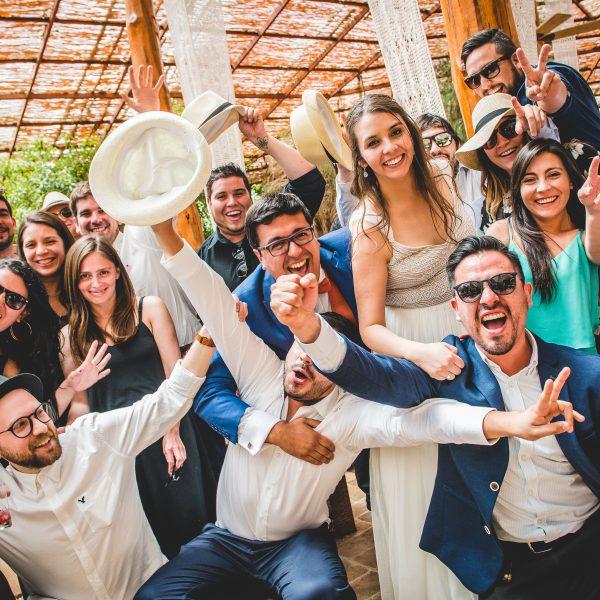 fotografo de matrimonios Santiago y Chile Cristian Peralta Novios bodas novias anillo fiesta casona